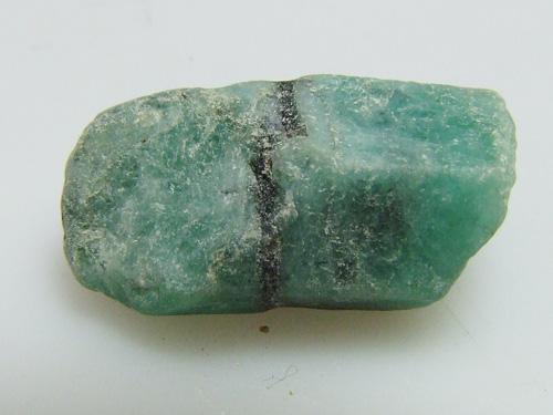 pierre brute emeraude-0